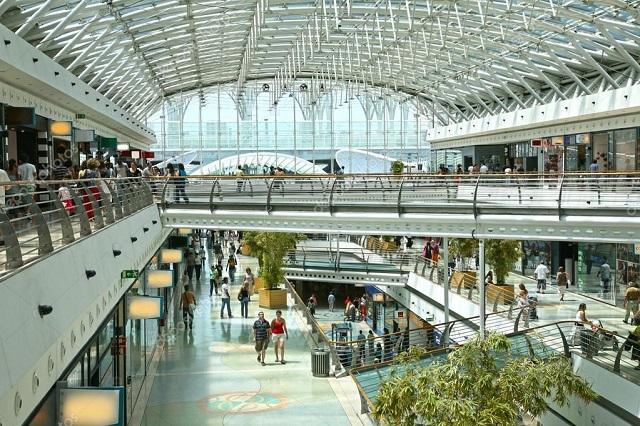 Centro Comercial Portugueses em Alta