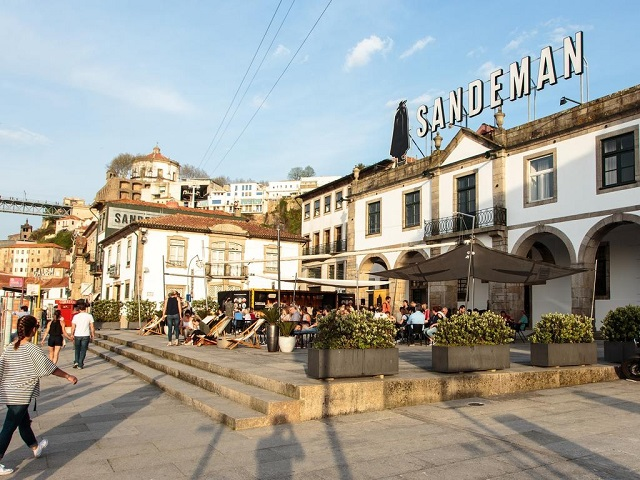 House of Sandeman Hostel & Suites