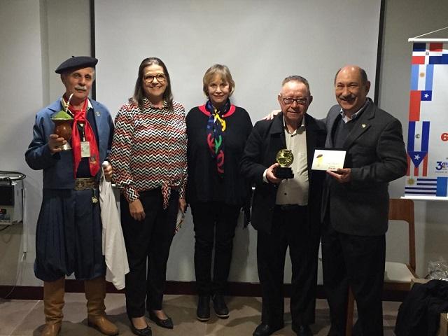 Publicitario JD Rodrigues premiado com o trofeu Galo de Gramado Paris