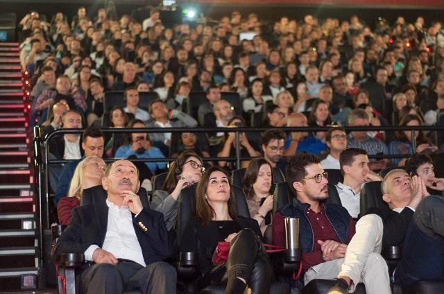 Vista geral do publico no Cinemark_350 pessoas