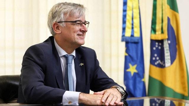 Embaixador da UE diz que a atual crise não atrasou acordo comercial com o Mercosul